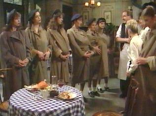 The  'ALLO 'ALLO!  Gallery on YCDTOTV.de    Path: www.YCDTOTV.de/allo_img/f2_248.jpg