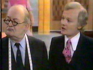The Are You Being Served Gallery on YCDTOTV.de   Path: www.YCDTOTV.de/aybs_img/a4_87.jpg