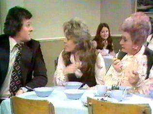 The Are You Being Served Gallery on YCDTOTV.de   Path: www.YCDTOTV.de/aybs_img/d3_187.jpg