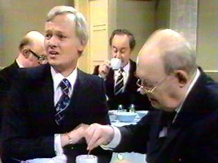 The Are You Being Served Gallery on YCDTOTV.de   Path: www.YCDTOTV.de/aybs_img/d3_194.jpg