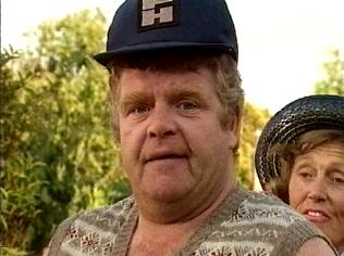 The Keeping Up Appearances Gallery on YCDTOTV.de   Path: www.YCDTOTV.de/kua_img/e2_317.jpg