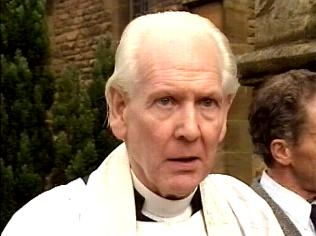 The Keeping Up Appearances Gallery on YCDTOTV.de   Path: www.YCDTOTV.de/kua_img/e3_245.jpg